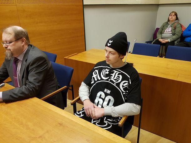 Oskari Sylve on tunnustanut teon tappona. Hovioikeus piti rikosta kuitenkin julmuutensa vuoksi murhana. Kuvan on käräjäoikeudesta.
