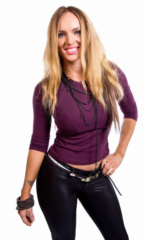 Tanja Sundell menestyi viime vuonna hienosti Bikini fitneksessä.