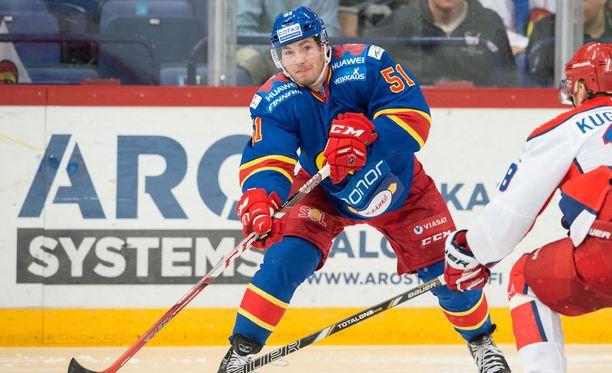 Brandon Kozunin pelaajaoikeudet siirtyivät Pietarin SKA:lle.