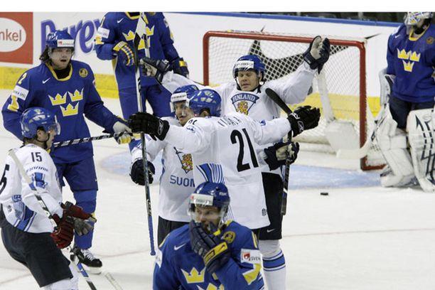 Mika Niskala on juuri iskenyt Suomen toisen maalin.