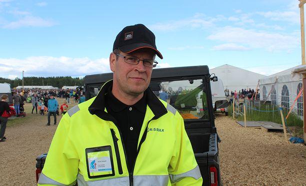 Mikko Vepsäläinen kertoo Suviseurojen liikennejärjestelyistä.