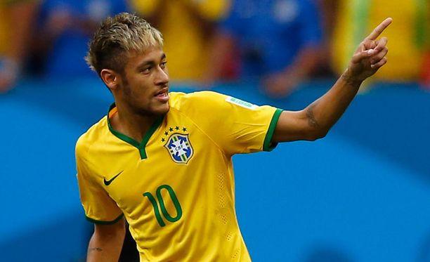 Neymar vastasi Brasilian kahdesta ensimmäisestä maalista.