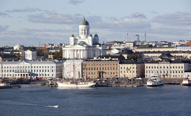 Kysyttäessä ensimmäisinä mieleen tulevia Suomeen liittyviä asioita kärkeen nousi muun muassa Helsinki.