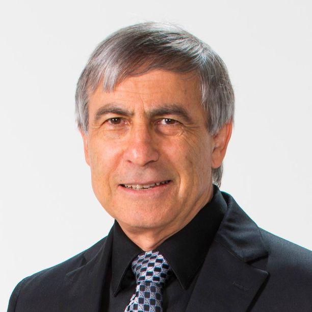Professori Ehud Keinan on maailman johtavia asiantuntijoita improvisoiduissa räjähteissä. Keinan on tutkinut TATP:tä 1980-luvulta lähtien.