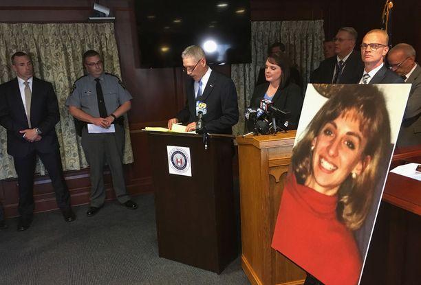 Poliisi järjesti murhasta tiedotustilaisuuden maanantaina Pennsylvanian Lancasterissa.