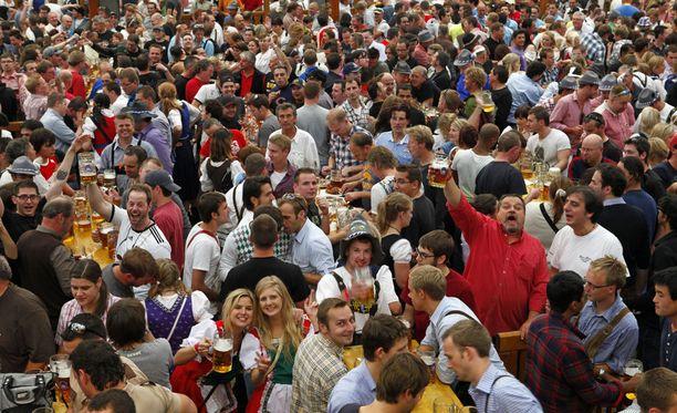 Octoberfest Münchenissä on kuuluisa olutfestivaali.