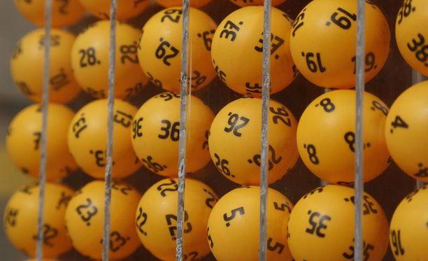 Lottoarvonnan 2,5 miljoonan euron potti meni Joensuuhun kahden hengen porukalle.