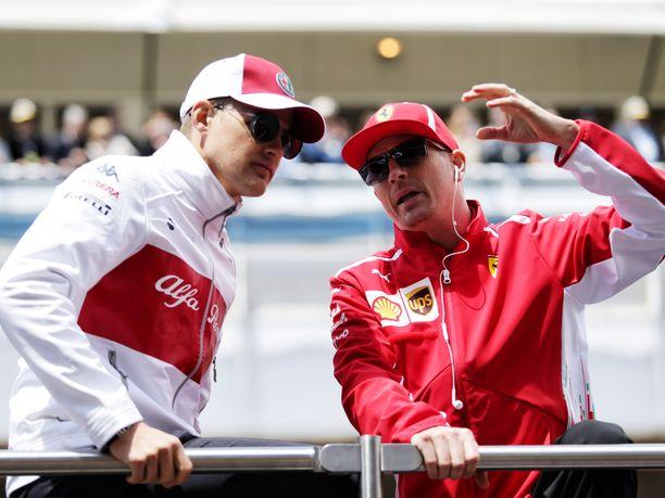 Marcus Ericsson on kertonut keskustelevansa Kimi Räikkösen kanssa GP-viikonloppuina muun muassa jääkiekosta.