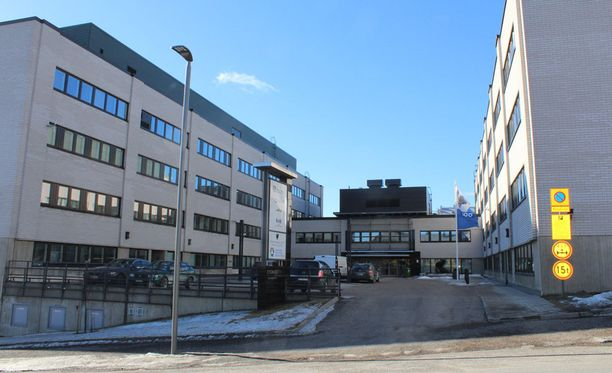 Oikeudenkäynti järjestetään poikkeuksellisissa tiloissa, sillä Keski-Suomen käräjäoikeudella ei ole Jyväskylässä riittävän suuria omia toimitiloja.