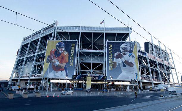 Broncos ja Panthers kohtaavat Levi's Stadiumilla.