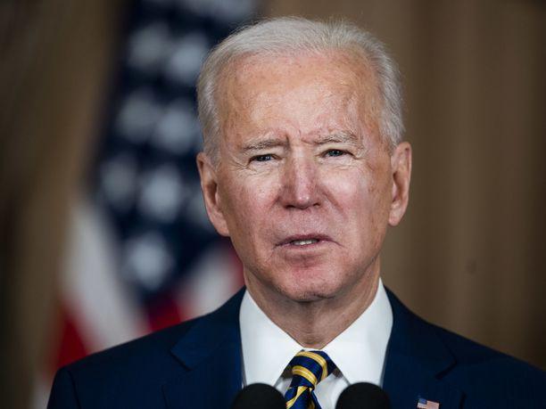 Yhdysvaltain presidentti Joe Biden jättäisi Donald Trumpin vaille tiedustelutietoja.