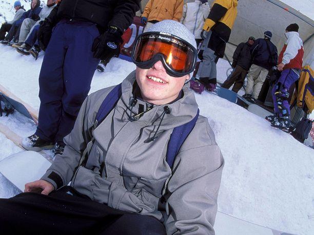 Aleksi Litovaara pääsi osallistumaan Naganon olympialaisiin, joissa lumilautailu oli ensi kertaa mukana kisoissa.