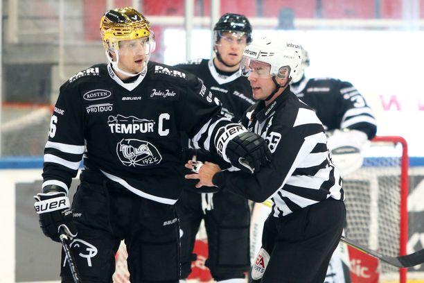 Lauri Korpikoski kärsii keskiviikkona pelikieltoaan, kun TPS kohtaa Jukurit.