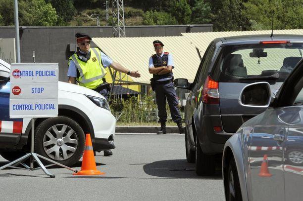 Espanjan poliisi tarkkaili autoja tänään Gironan Ripollissa, lähellä Ranskan rajaa.