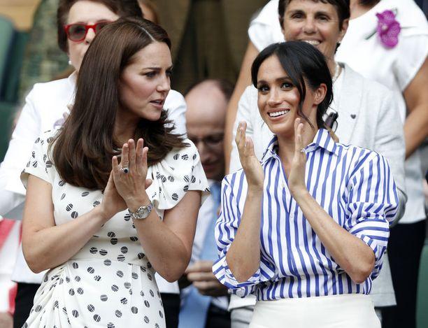 Herttuattaret kuvattiin hiljattain yhdessä Wimbledonin tenniskatsomossa.