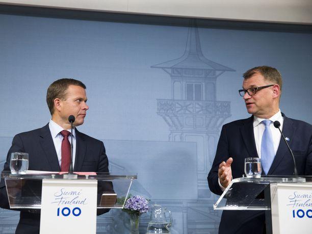 Eduskunta käsittelee koko loppuviikon valtiovarainministeri Petteri Orpon (kok) ja pääministeri Juha Sipilän (kesk) johdolla tehtyä ensi vuoden budjettia. Eduskunnan täysistunto alkaakin keskiviikkona jo kello 10.