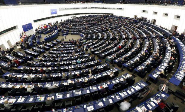 Jokaisen EU-jäsenmaan on vielä hyväksyttävä Ceta-sopimus kansallisessa parlamentissa.