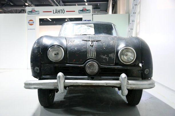 Joukkorahoituskampanjan tuotoilla Rallimuseon kokoelmiin on hankittu entisöintiä odottava Austin Atlantic, joka on vuoden 1951 Jyväskylän Suurajojen voittaja-auto.