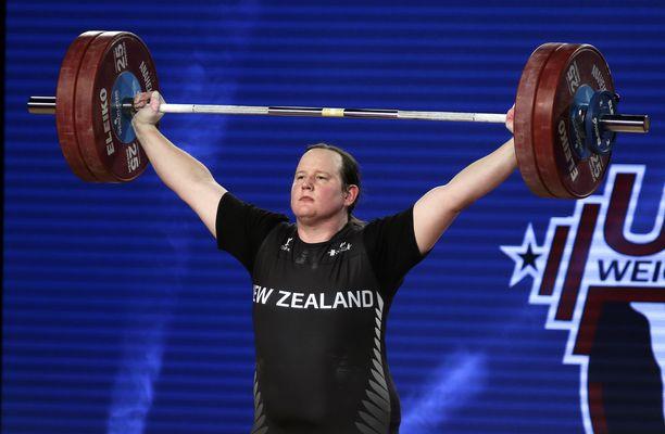 Uuden Seelannin Laurel Hubbard on yksi tunnetuimpia transurheilijoita. Hubbard kilpaili ennen miesten sarjassa.