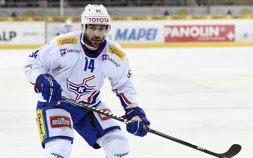 """Jenkkipelaaja sai morfiinia ennen peliä KHL:ssä –  pian jalassa poksahti: """"Idiootti"""""""