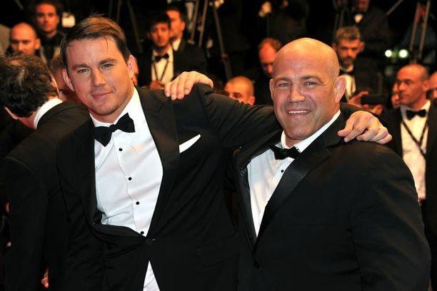 Mark Schultz voitti Dave-veljensä tapaan vapaapainin olympiakultaa vuonna 1984. Foxcatcher-elokuvassa häntä näyttelee Channing Tatum.