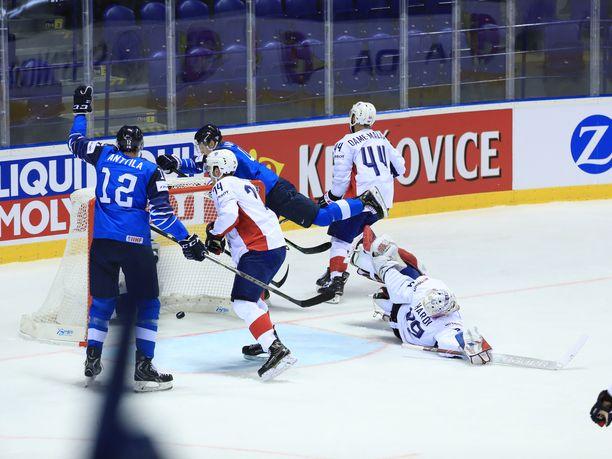 Joel Kiviranta avasi Leijonien maalihanat sunnuntain Ranska-ottelussa.