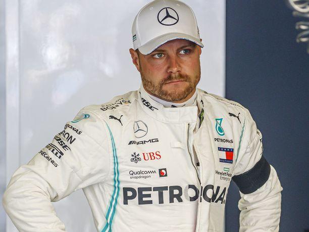 Valtteri Bottas oli Monacon GP:n aika-ajojen jälkeen hyvin kiinnostunut Suomi-Venäjä-ottelun tilanteesta.