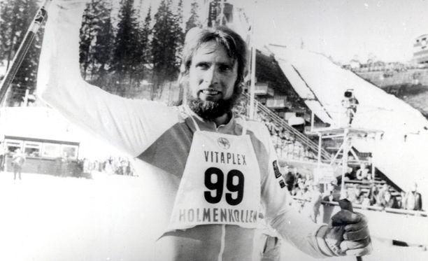 Juha Mieto valloitti Holmenkollenin kuninkuuden kuudesti. Arkiston aarre vuodelta 1978.