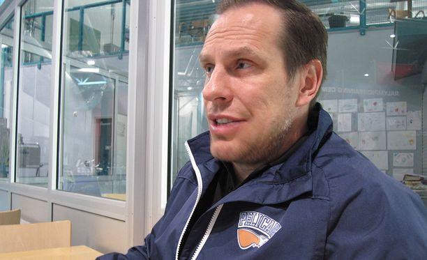 Ville Nieminen tietää Aleksander Barkovin johtavan esimerkillään.