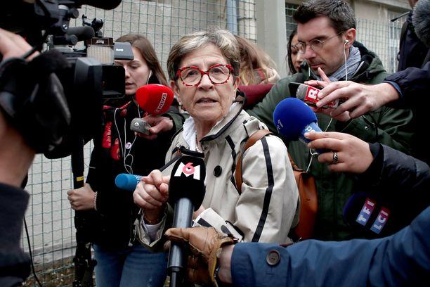 Viviane Lambert oli poikansa vierellä, kun elintoimintojen ylläpitäminen sunnuntaina lopetettiin.