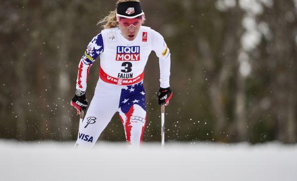 USA:n Caitlin Gregg otti lähtönumerosta kolme kaiken hyödyn irti ja sujutteli MM-pronssille vapaan kympillä.