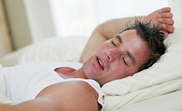 Unennäkijä on ulkoisesti tyyni, mutta unessa mikä vain on mahdollista.