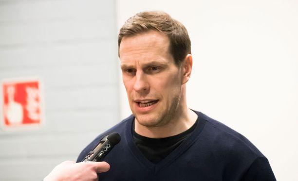 Ville Nieminen on Pelicansin uusi päävalmentaja.