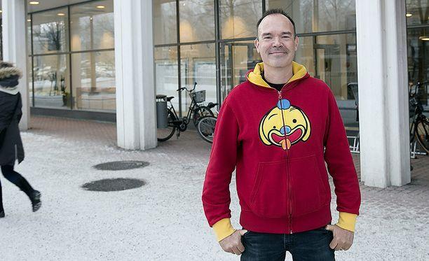 Pelifirma Roviossa rahaa ja mainetta kerännyt Peter Vesterbacka aikoo rakennuttaa tunnelin Helsingistä Tallinnaan.