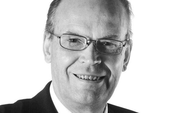 Lauri Helve oli 1970- ja 80-lukujen tunnetuimpia taloustoimittajia Suomessa. Vuonna 1989 hänestä tuli Kauppalehden vastaava päätoimittaja.
