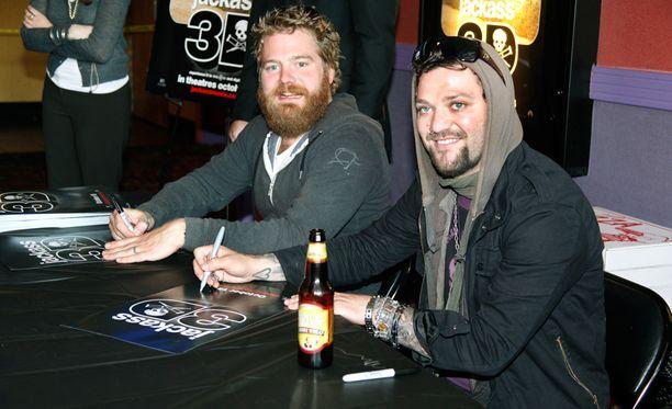 Ryan Dunn kuoli kesällä 2011 auto-onnettomuudessa. Kuvassa ystävykset lokakuussa 2010.