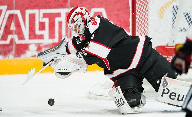 Jussi Olkinuora oli esillä JYPin 1-0-voitossa Tapparasta.