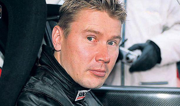 Mika Häkkinen pääsee taas formulan rattiin.