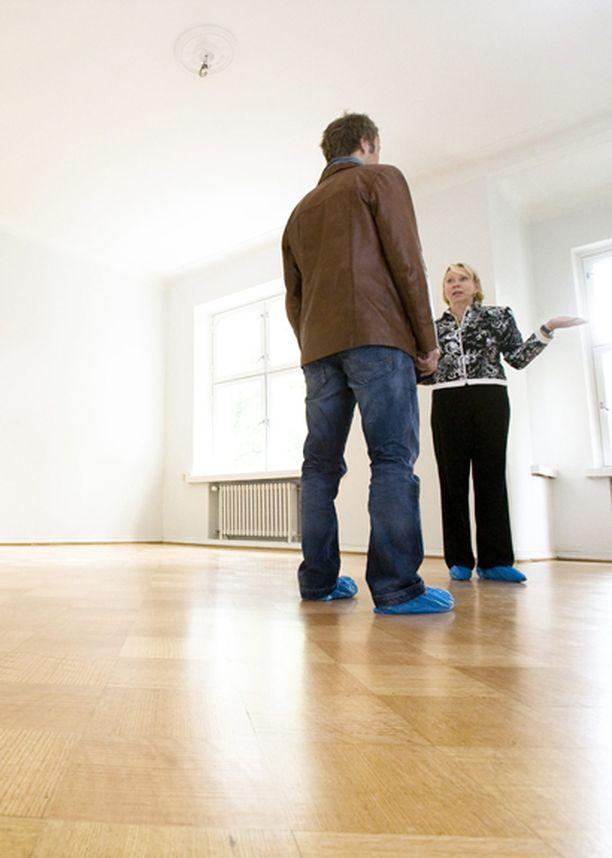 Hypoteekkiyhdistyksen toimitusjohtaja Matti Inhan mukaan asuntojen hinnat ovat laskussa ja korkotaso edullinen.