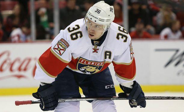 Panthersin Jussi Jokinen menetti yhdeksän peliä polvivamman takia. Samassa vaihdossa Jokiselta lähti myös hammas.