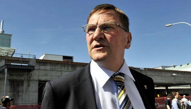 Heikki Hietanen vaihtaa kaukalonlaidat Hämeen kehittämiseen.