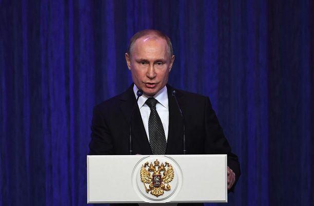 Venäjän presidentti Vladimir Putin puhuu torstaina parlamentille.