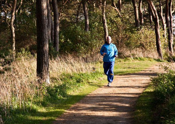 Fyysisen aktiivisuuden on osoitettu pienentävän muun muassa sydän- ja verisuonitautien ja useiden syöpätautien riskiä.