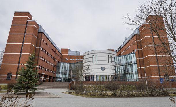 Kuopion poliisitalo suljettiin, kun sinne tuotiin käsikranaatti. Arkistokuva.