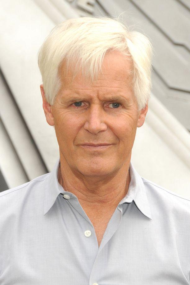 Sarjan isä Chris Carter.