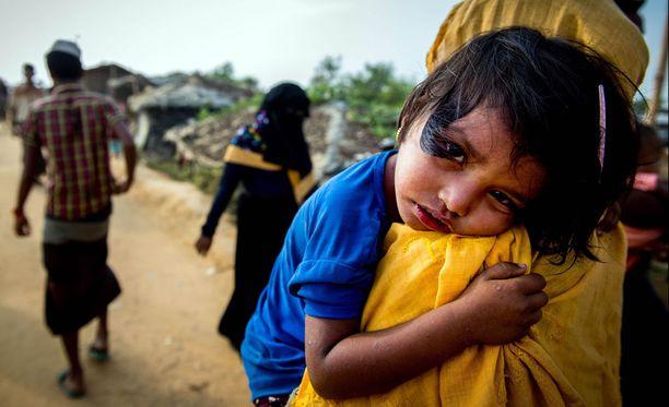 Pelastakaa Lapset ry:n mukaan yli 70 prosenttia Bangladeshiin paenneista rohingya-lapsista ei käy koulua.