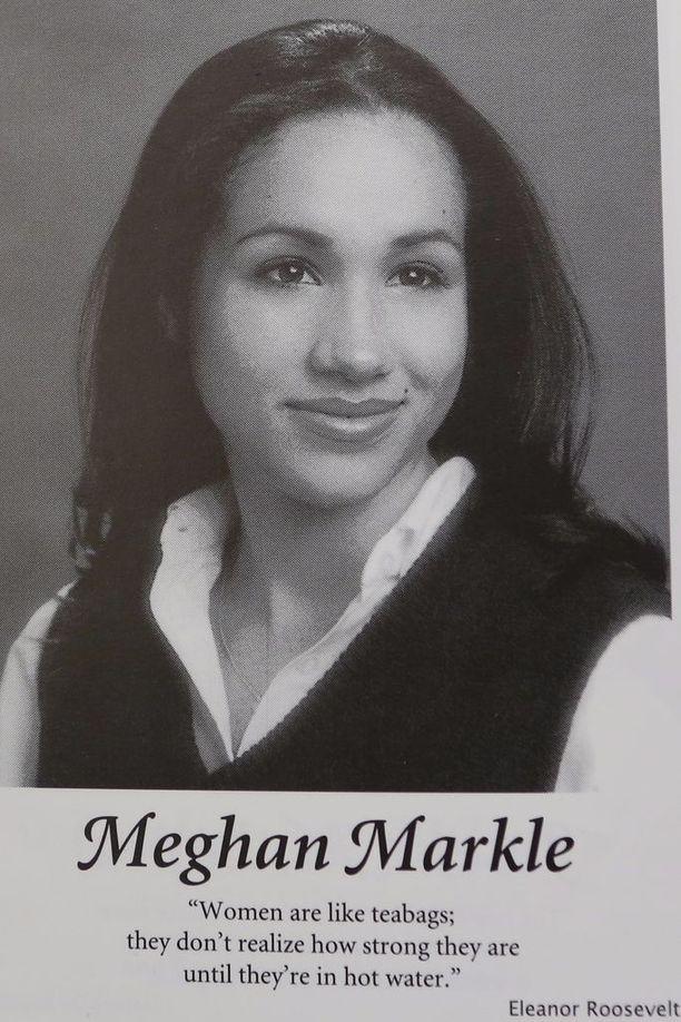 Tältä Meghan näytti koulukuvassaan.