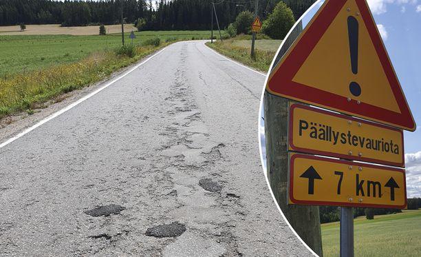 Huonokuntoisuus näkyy tienkäyttäjälle esimerkiksi kuoppina, urina, alennettuina nopeusrajoituksina ja tiesiltojen painorajoituksina. Arkistokuvia Varsinais-Suomesta kesältä 2019.