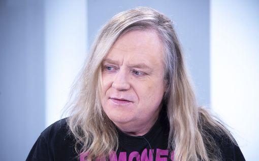 Yö-legenda Jussi Hakulinen voitti Joutsenlaulu-kiistan oikeudessa – Samu Haberin Vain Elämää -veto oli laiton