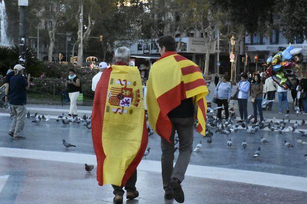Sunnuntaina Barcelonassa osoitettiin mieltä Espanjan yhtenäisyyden puolesta.